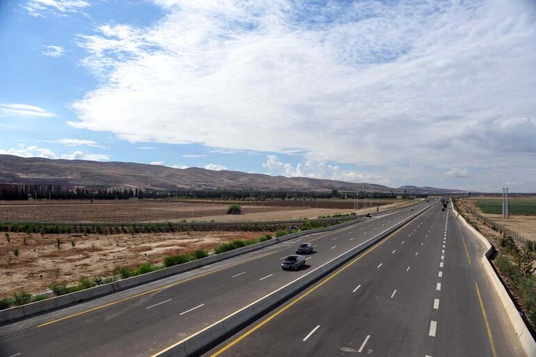 الطريق العابر للصحراء يعد أكبر مشروع في أفريقيا ويربط 6 بلدان موزعة على 3 من المجموعات الاقتصادية الثماني للقارة.