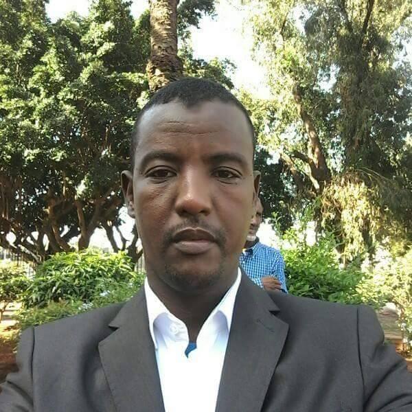 الاستاذ محمد الامين ولد الحسين