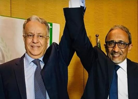 محمدي ولد أحمد الني (يمين) الأمين العام الجديد لمجلس الوحدة الاقتصادية العربية