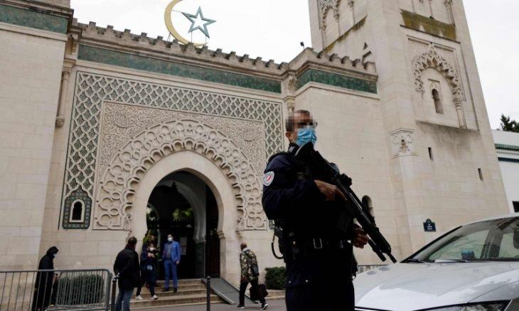 تتسع في فرنسا موجة معاداة الإسلام وكراهية المسلمين
