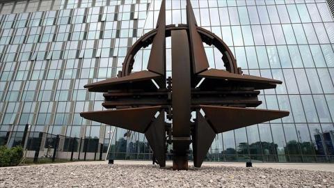 فرنسا تستهدف الناتو على مدار العامين الماضيين لعدم دعمه لمصالحها الاستعمارية حول العالم